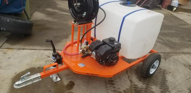 BRAND NEW 2700 PSI PRESSURE WASHER ON TRAILER WITH 100 GALLON WATER TANK