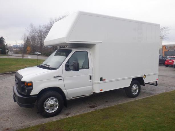 2013 Ford Econoline E-350 Super Duty 9 Foot Cube Van