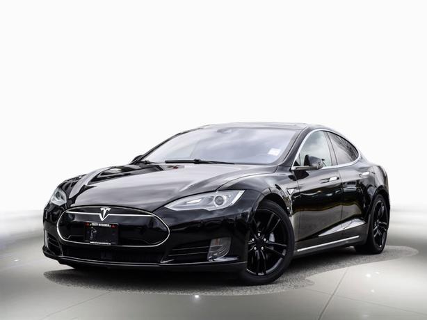 2016 Tesla Model S 70D - > Dual Motor -> Free lifetime supercharger AWD