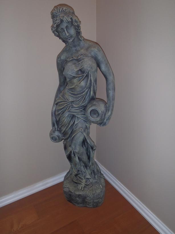 garden/house statue