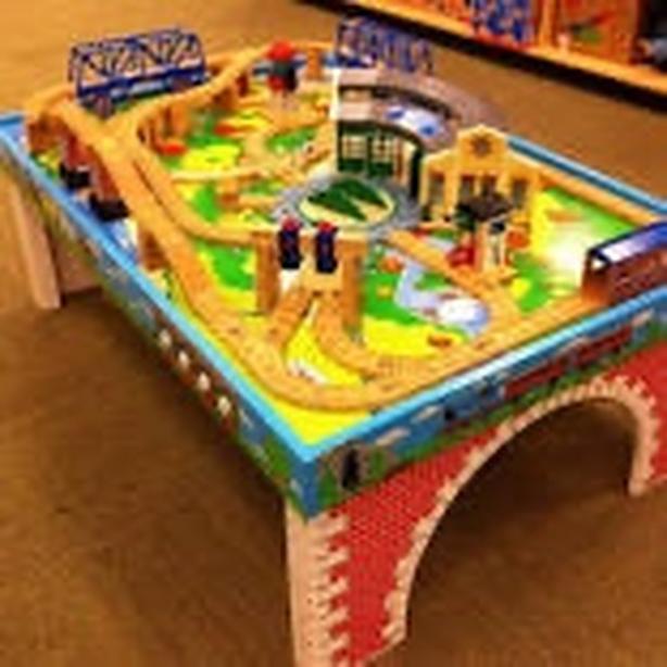 Thomas Train Table