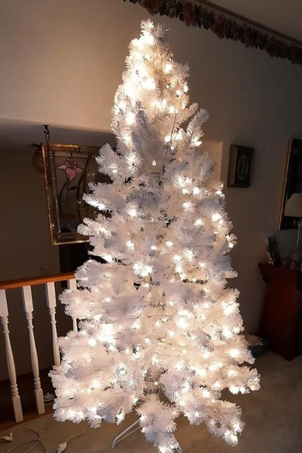 7ft Lighted White Xmas Tree, 600 Lights