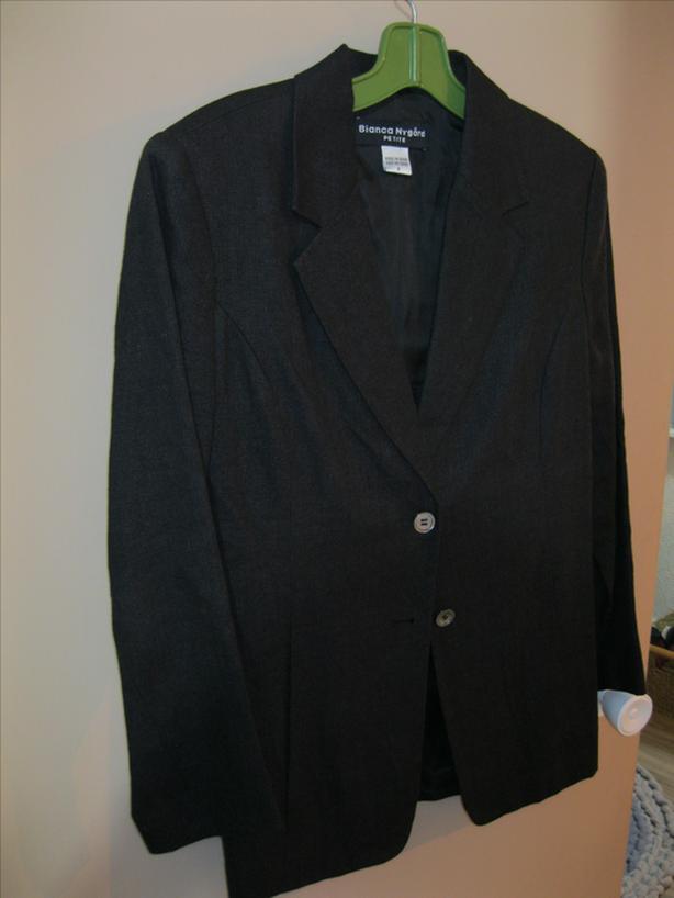 Black 100% linen blazer