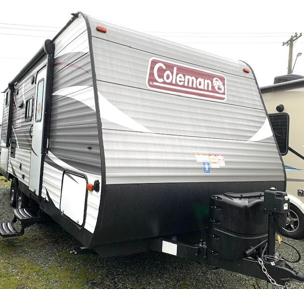 2019 Coleman 215BH STK# S19C10557