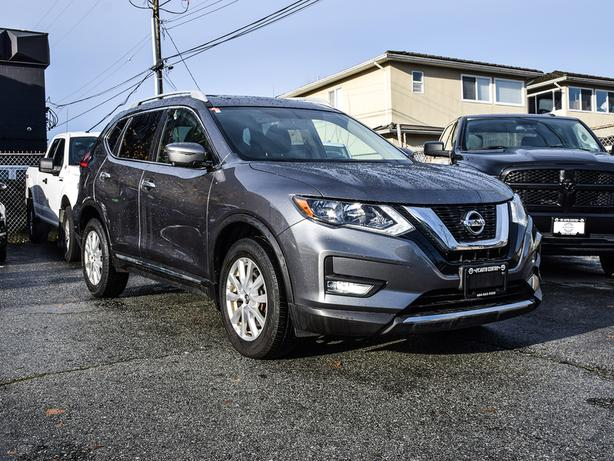 2017 Nissan Rogue AWD 4dr SV -Ltd Avail- AWD