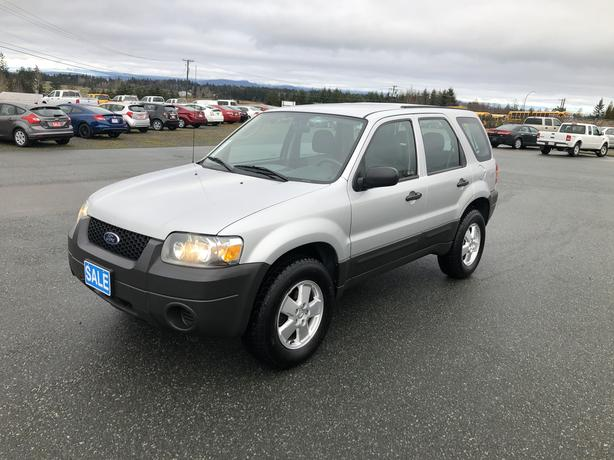 Winter Ready 2006 Ford Escape 4WD 2.5L 4CYL, Automatic, Only 166,937Kms