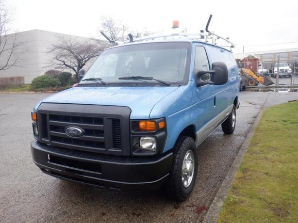 2010 Ford Econoline E-250 Rear Shelving Ladder Rack Cargo Van