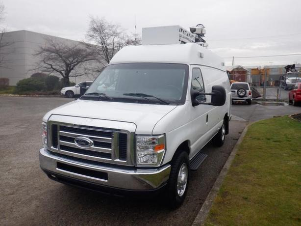 2012 Ford Econoline E-350 Super Duty Extended Broadcast Cargo Van