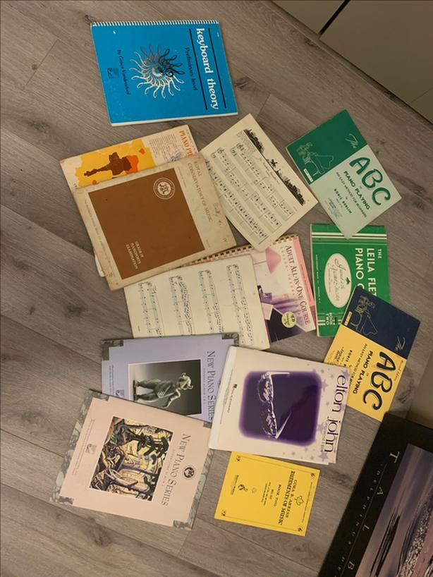 free piano books - assorted