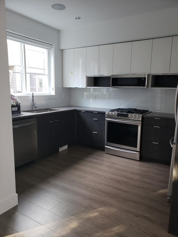 Furnished room for renting in Fleetwood (Surrey)