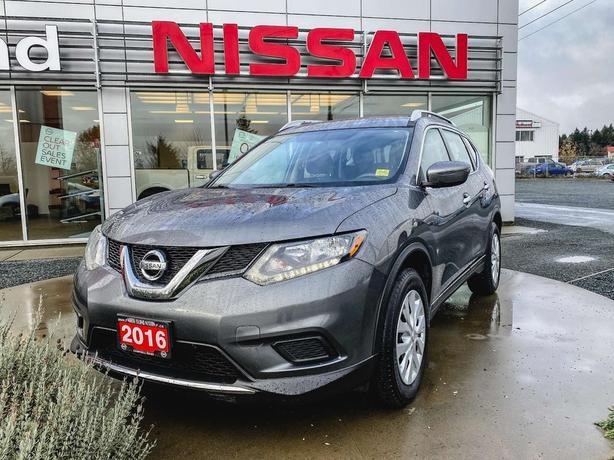 2016 Nissan Rogue S FWD *Fuel Efficient