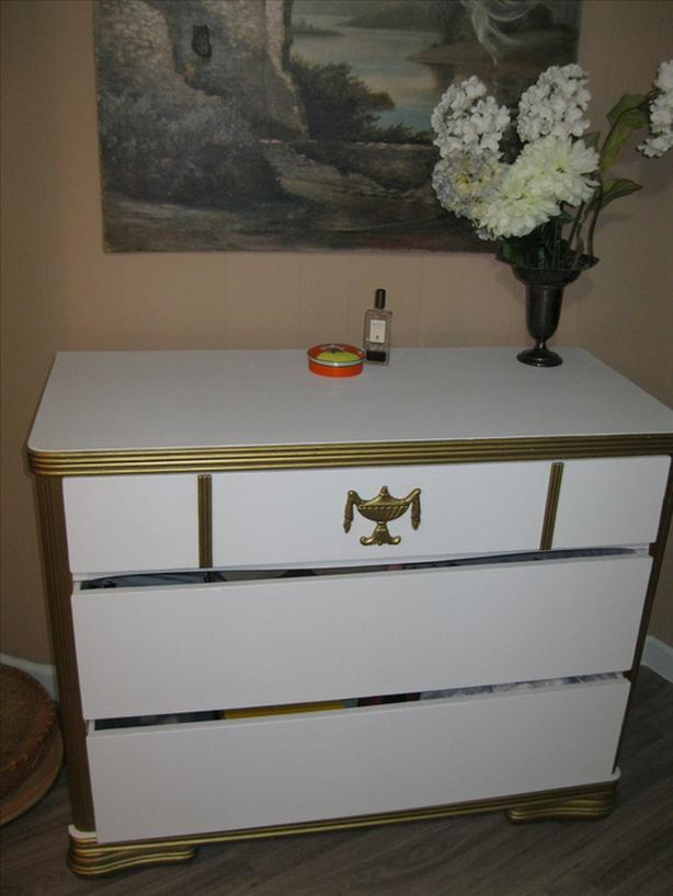 3 drawer white dresser