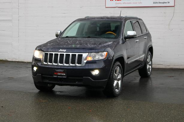 2011 Jeep Grand Cherokee Overland 4WD - LOCAL BC SUV - NO ACCIDENTS!