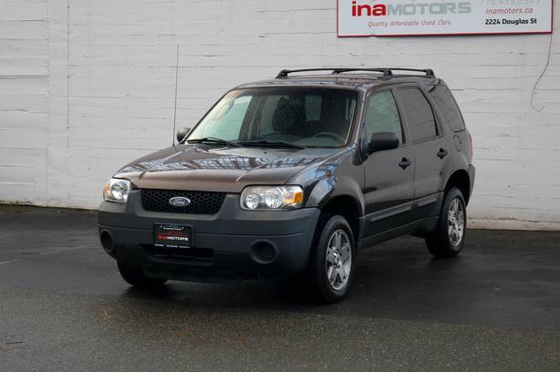 2006 Ford Escape XLS - LOCAL BC SUV!