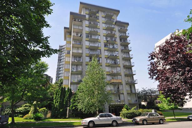 RECENTLY RENOVATED 7th Floor One Bed; one block to English Bay