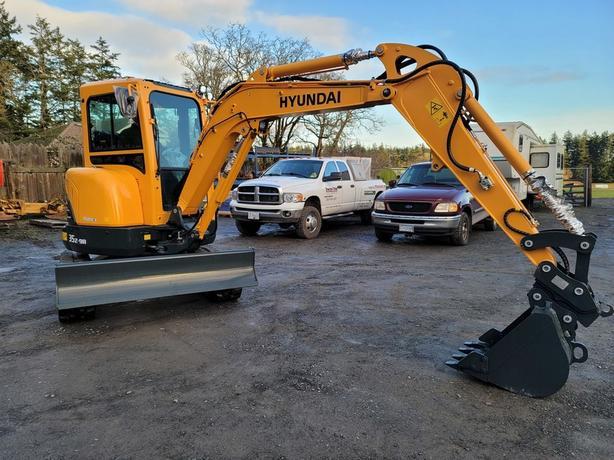 2020 Hyundai Construction Equipment Compact Excavators R35Z-9A