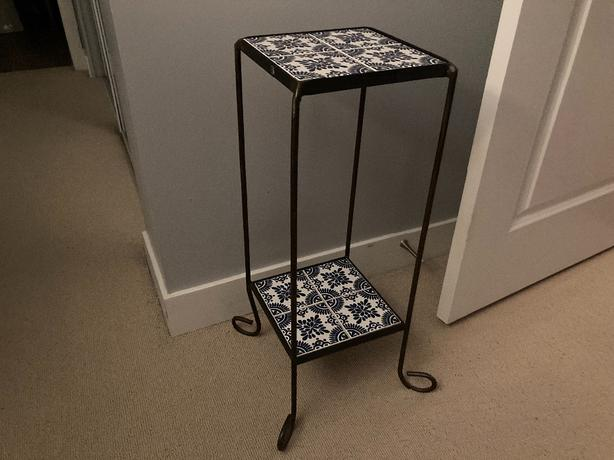 FREE: Tiled plant stand/side table