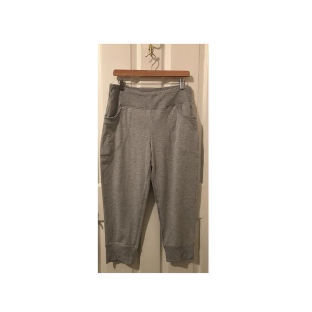 PURE NRG ATHLETICS Capri Sweatpants