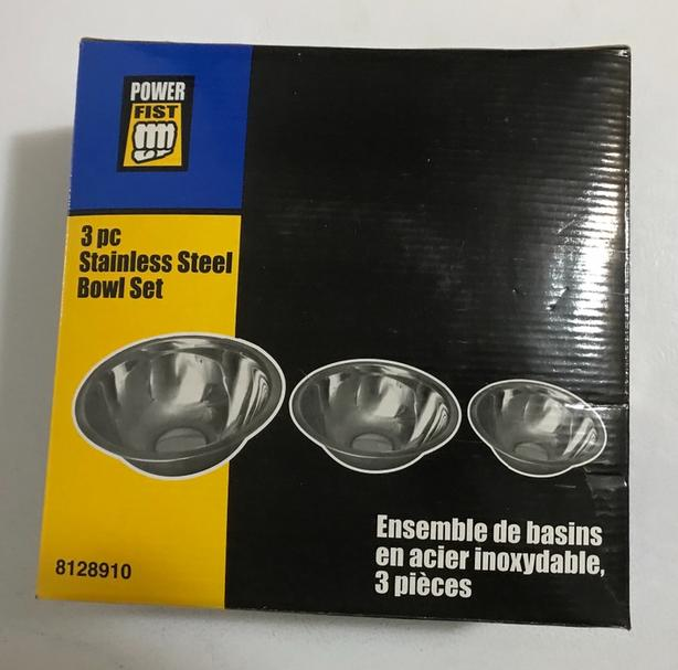 New Set of 3 Stainless Steel Bowls $6  New in the box