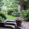 Bright, Beautiful 2 bdrm Garden Suite