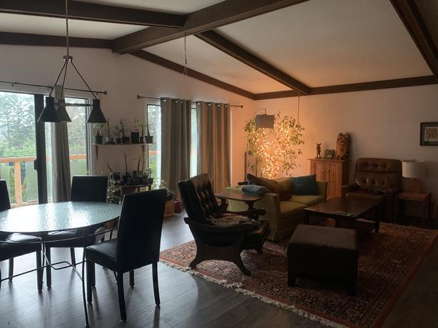 Room for Sublet in Shawnigan Lake Home
