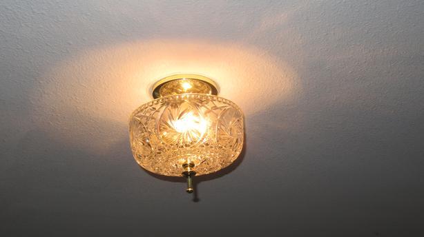 4 Ceiling lights
