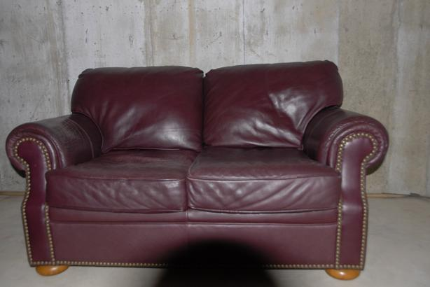 Flexsteel Leather Love seats