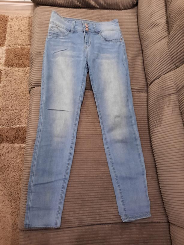 2 pairs YMI USA skinny jeans