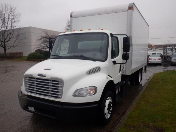 2014 Freightliner M2 106 16 Feet Cube Van with Hydraulic Brake And Power Tailgat