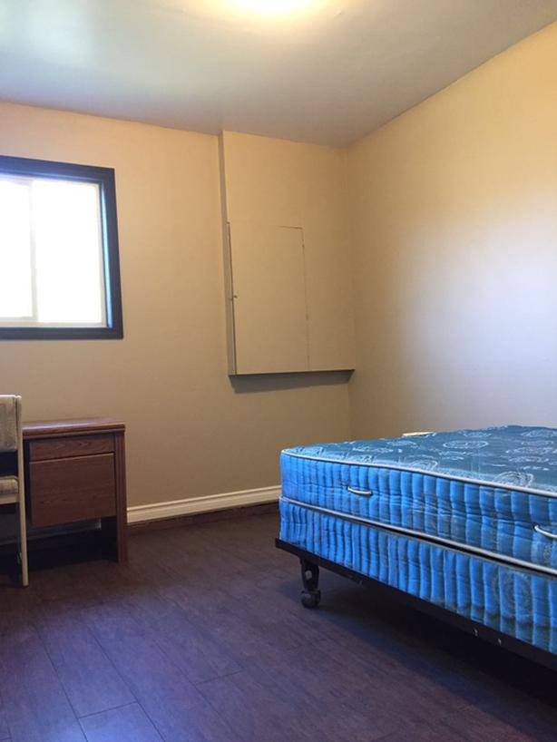 Nice 2 BRs 1 Bath Suite Next to Uvic Avail Now for Short Rental (Arbutus)