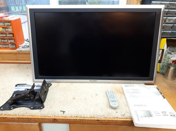 32 inch sharp TV