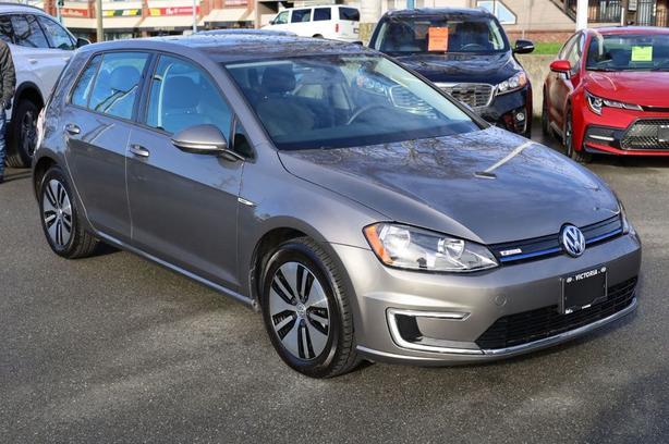 Pre-Owned 2016 Volkswagen E-Golf SE Front Wheel Drive Hatchback