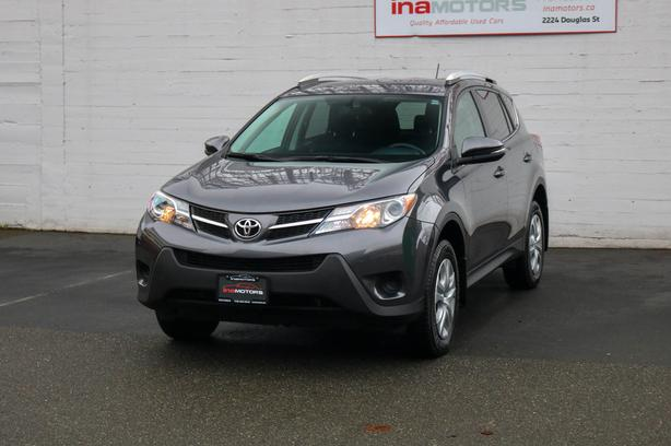 2015 Toyota Rav 4 LE AWD - LOCAL BC SUV!