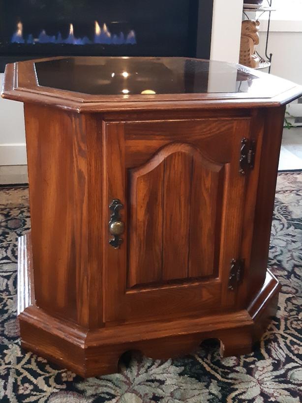 Vintage Oak Canadian made side table