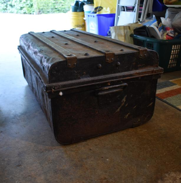 Metal Chest (old)