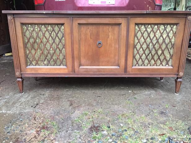 FREE: stereo/storage cabinet
