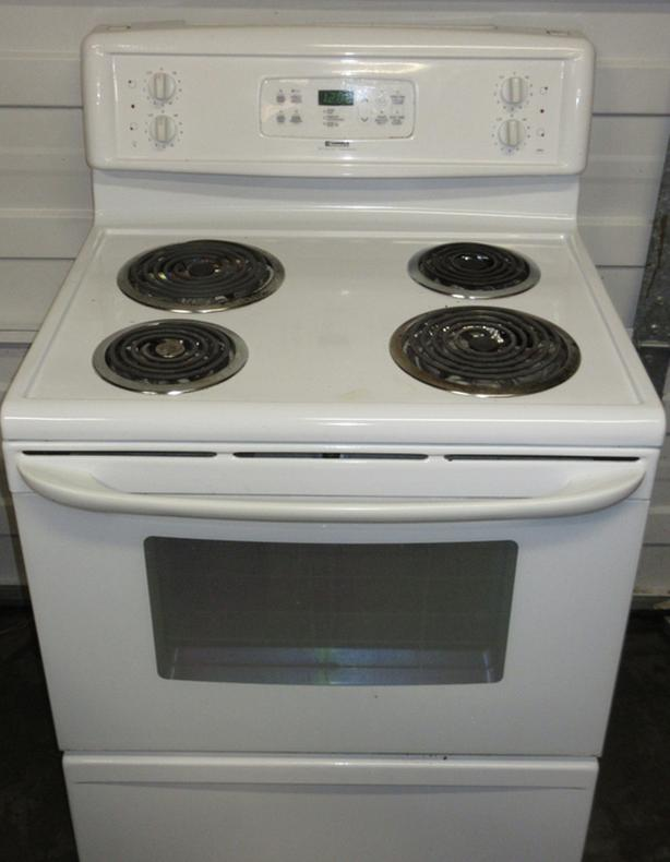 Kenmore coil burner Stove- Excellent condition - self-clean