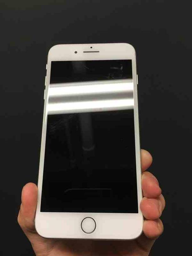 iPhone 7 Plus 32 GB unlocked