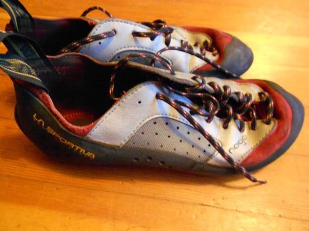 La sportiva climbing shoes - size 40 1/2