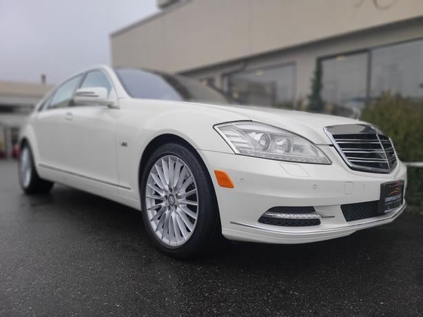 2010 Mercedes-Benz S600V - WITH ONLY 85,500 KMS!!