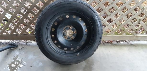 4 Avalanche Winter Tires, 225/60 R18, on Rims