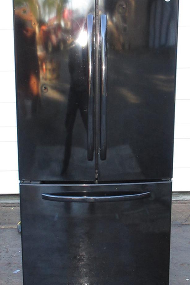 GE French Door Fridge - Digital controls, French Door