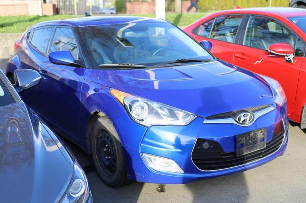 Pre-Owned 2012 Hyundai Veloster w/Tech Front Wheel Drive 3dr Car