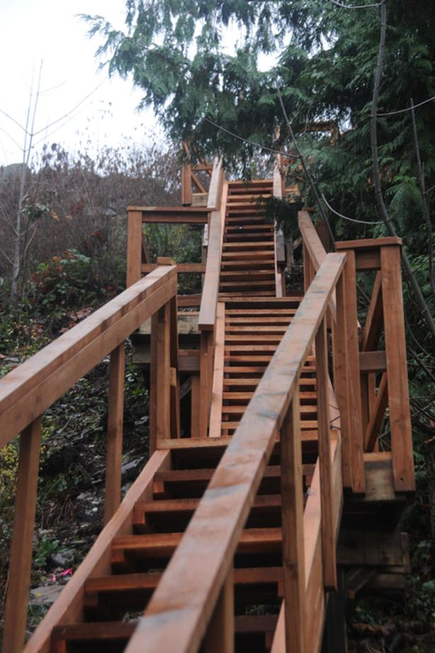 Labour to help build decks and staircase