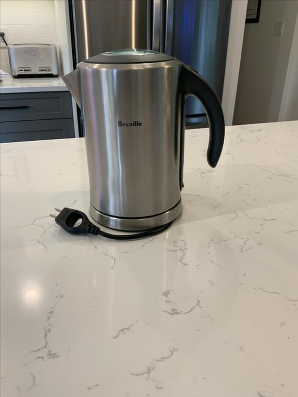 Breville Ikon 1.7 litre electric kettle