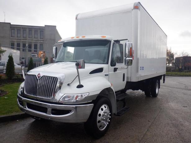 2014 International DuraStar 4300 22 Foot Diesel Cube Van Hydraulic Brakes and Po