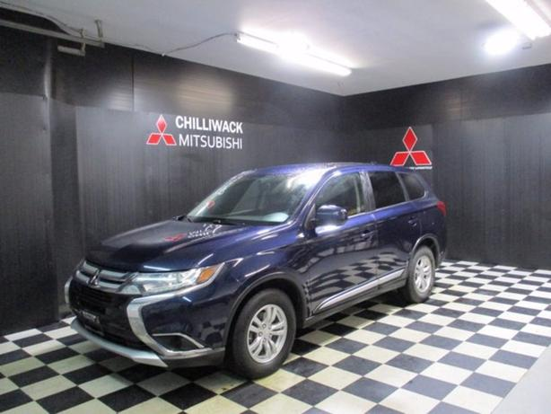 Pre-Owned 2017 Mitsubishi Outlander ES 4WD Sport Utility