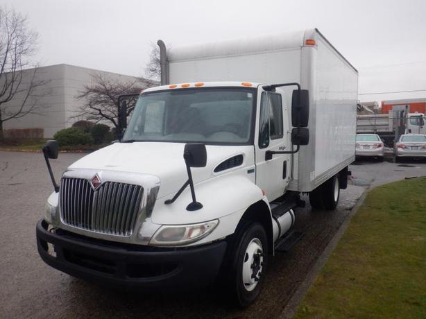 2011 International 4300 16 Foot Cube Van Diesel With Hydraulic Brakes