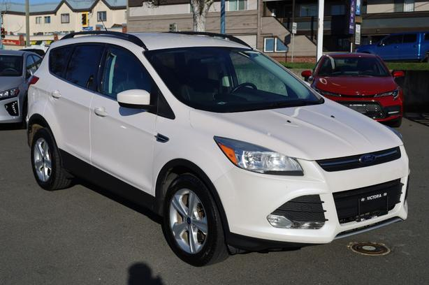 Pre-Owned 2014 Ford Escape SE Four Wheel Drive SUV