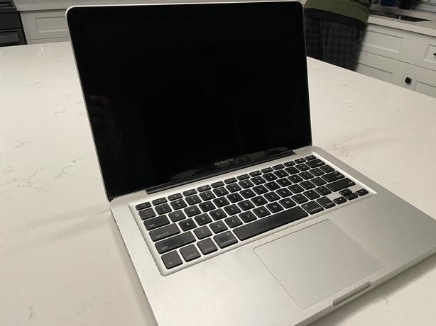 Mint condition MacBook Pro (13-inch late 2011 model)